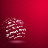 Boule rouge brillante de Joyeux Noël Photographie stock libre de droits