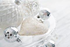 Boules blanches de Noël de vintage Photos libres de droits