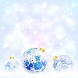 Boules bleues de Noël avec l'ornement floral Photo stock