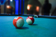 Boules de billard au-dessus de table Photo libre de droits