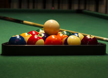 Boules de billard disposées Image stock