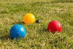 Boules de Boccia dans des couleurs primaires images libres de droits