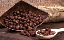 Boules de céréale de chocolat Images libres de droits