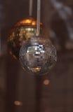 Boules de disco d'argent et d'or Image libre de droits