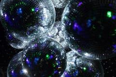 Boules de disco dans l'obscurité Photo libre de droits