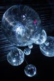 Boules de disco dans l'obscurité Photographie stock