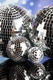 Boules de disco, ondes sonores et fond de musique Photos stock