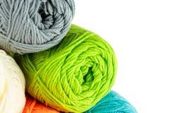 Boules de fil à tricoter Photos libres de droits