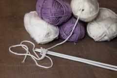 Boules de fil de laine Photographie stock libre de droits