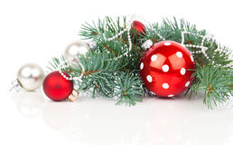 Boules de Noël et branches de sapin Image stock