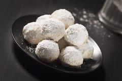 Boules de noisette, biscuits mexicains de mariage, ou gâteaux russes de thé photos stock
