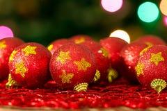 Boules de rouge d'arbre de Noël Photographie stock
