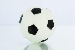 Boules de sport, le football d'isolement Image libre de droits