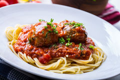 Boules de viande Cuisine italienne et méditerranéenne Boules de viande images stock