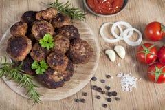 Boules de viande décorées photo stock