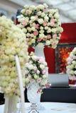 Boules des roses comme décoration images libres de droits