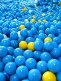 Boules en plastique bleues Images libres de droits