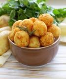 Boules frites de pomme de terre (croquettes) photographie stock libre de droits