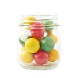 Boules multiples de chewing-gum dans un pot Photographie stock
