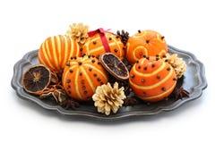Boules oranges de sachet aromatique, décoration de table de Noël image stock