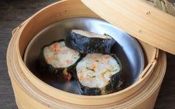 Boulette cuite à la vapeur par Chinois de crevette Image stock