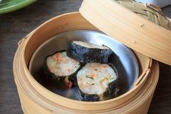 Boulette cuite à la vapeur par Chinois de crevette Image libre de droits
