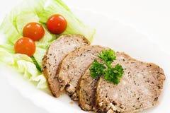 Boulette de viande avec de la petite salade Image libre de droits