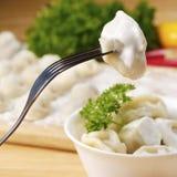 Boulettes bouillies fraîches de viande Image stock