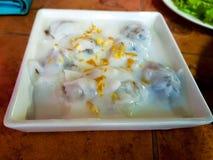 Boulettes cuites à la vapeur thaïlandaises de riz-peau photographie stock libre de droits