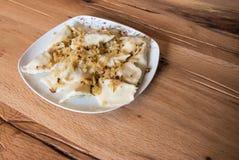 Boulettes d'un plat aux oignons frits Images libres de droits