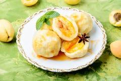 Boulettes de fruit avec l'abricot Photos libres de droits