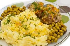 Boulettes de viande avec de la purée de pommes de terre Image libre de droits