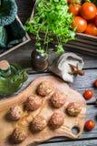Boulettes de viande avec du riz et le chou Image stock