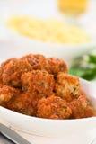 Boulettes de viande avec la sauce tomate Images stock