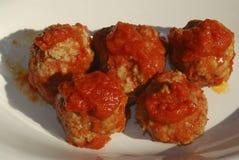 Boulettes de viande en sauce tomate Images stock