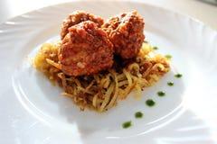 Boulettes de viande en sauce tomate douce et aigre Image stock