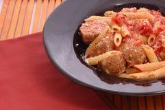 Boulettes de viande et pâtes Image libre de droits