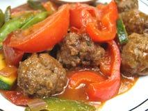 Boulettes de viande et plan rapproché de légumes Photos stock