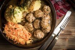 Boulettes de viande et purée de pommes de terre Photos stock