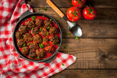 Boulettes de viande hachées faites maison de boeuf photos libres de droits