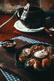 Boulettes frites et bouillies photographie stock