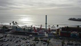boulevard aereo di Santa Cruz California Beach Pier Surf di volo 4K archivi video