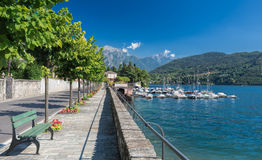 Boulevard och marina av Tremezzo, sjö Como, Italien, Europa arkivbilder