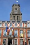 BOULOGNE SURA MER FRANCJA, SIERPIEŃ, - 28, 2017: Urząd miasta i dzwonnica, Cote d ` Opal, Pas de Calais, Hauts de Francja Zdjęcie Stock