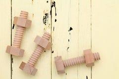 Boulons et écrous en bois Photo stock