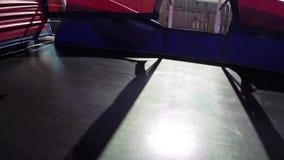 Bouncy τραμπολίνων γυμναστικής άλματος φιλμ μικρού μήκους
