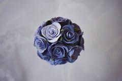 Bouqet décoratif des roses bleues Photographie stock libre de droits