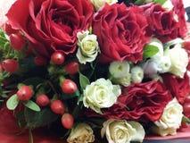 Bouqette von Blumen mit Rosen Stockbild