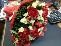 Bouqette von Blumen mit Rosen Lizenzfreies Stockbild