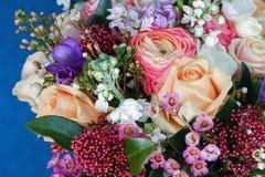Bouquet énorme des roses Photo stock